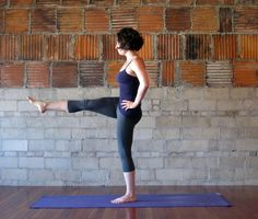yoga poses to strengthen the abs & core