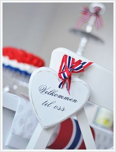 17.mai Constitution Day, Public Holidays, Time To Celebrate, Some Times, Norway, Place Card Holders, Entertaining, Crafts, Blogging