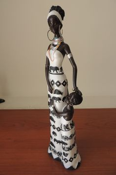 africanas en ceramica con bebes - Buscar con Google African American Art, African Women, African Fashion, Black Women Art, Black Art, Black Figurines, Ceramic Sculpture Figurative, Human Sculpture, Clay Wall Art