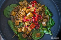 Asia-Bratnudeln mit Pfeffersoße & Tofu - Madame Cuisine