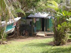Casa de pescadores en Cahuita, Costa Rica.