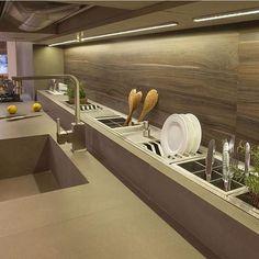 Wonderful Kitchen design تصميم راقى للمطابخ  #MODERNHOME#MODERNDESIGN#INDOOR#LIGHTS#LIVINGROOM#ART#FABRIC#PATTERN#SOFA#FURNITURE#ART#FABRIC#PATTERN#INDOOR#DECORATION#DECO#FLOORING #accentwall #smallhome #shelvesdesign #storageunit #kidscolor #kidsroom #kidscolor #تصميم_داخلي #ديكورالمنزل #غرف اطفال#تصميم غرف اطفال#مطابخ #kitchen# kitchendesign