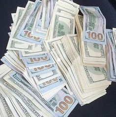 I am a powerful money magnet Mo Money, How To Get Money, Make Money Online, Cash Money, Money Girl, Cash Cash, Argent Paypal, Money On My Mind, Money Stacks