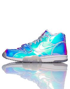 NIKE Men's low top sneaker Mirrored-out iridescent body Lace closure with velcro strap Padded tongue... True to size. Synthetic materials. Multi-Color 607081900.