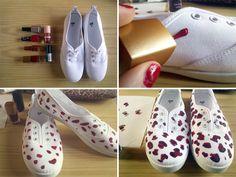 Decorar zapatillas con esmalte de uñas | VotaDIY