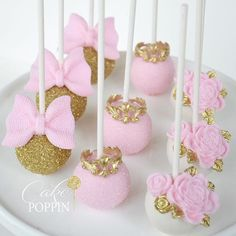 21 Ideas for baby shower ideas pink and gold mice Minnie Mouse First Birthday, 1st Birthday Party For Girls, Minnie Mouse Theme, Baby Birthday, Minnie Mouse Cake Pops, Cakepops, Tortas Baby Shower Niña, Mini Mouse Baby Shower, Princess Cake Pops