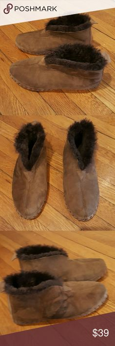 L.L. BEAN WICKED GOOD MOCCS size 10 L.L.BEAN WICKED GOOD MOCS SIZE 10 CHOCOLATE BROWN SHEEPSKIN BOOTIES ANKLE BOOTS So comfortable Small mark o right shoe Worn once L.L. Bean Shoes Slippers