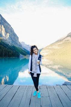 The Sweetest Thing: What I Wore Hiking at Lake Louise Tennis Wear, Tennis Shoes Outfit, Tennis Dress, How To Wear Leggings, Fall Leggings, Fall Winter Outfits, Autumn Winter Fashion, Winter Style, Fall Fashion
