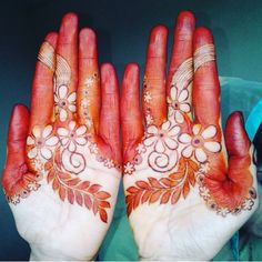 Image may contain: one or more people Peacock Mehndi Designs, Arabic Henna Designs, Indian Mehndi Designs, Mehndi Designs 2018, Modern Mehndi Designs, Wedding Mehndi Designs, Henna Designs Easy, Mehndi Designs For Fingers, Henna Tattoo Designs