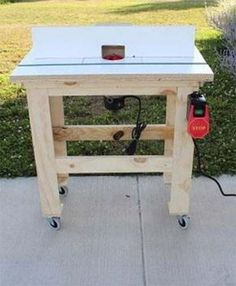 If you're looking for ideas to build a router table, read this page. We've collected 39 of the best DIY router table plans, videos, and PDFs. Making A Router Table, Build A Router Table, Wood Router, Router Woodworking, Woodworking Apron, Youtube Woodworking, Learn Woodworking, Woodworking Videos, Router Projects