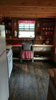 Sharing my obsessive love of rustic cabin life through photos and art I have collected. Please feel free to share - most of the photos. Tiny House Cabin, Tiny House Design, Cabin Homes, Log Homes, Small Cabin Kitchens, Small Cabin Interiors, Casas Containers, Little Cabin, Cabins And Cottages
