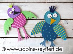 Kindergarten, Birds, Christmas Ornaments, Holiday Decor, School, Bricolage, Animal Crafts, Funny Birds, Christmas Jewelry