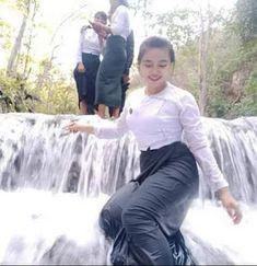 ဆရာမအုိးပုံမ်ား Seduction Movie, Burmese Girls, Myanmar Women, Stylish Girl Images, Beautiful Asian Women, Girls Image, Asian Woman, Asian Beauty, Long Dresses