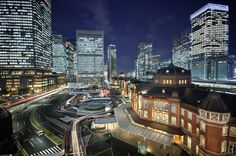 Tokyo: tradition amidst ultra-modernity.