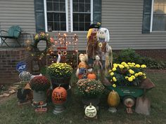 Fall Harvest Scene with Autumn Flowers, Punkins & Junk!!