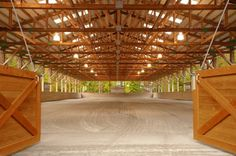 Light, air and space … these are some of the key words a nice indoor arena needs. To give you some inspiration, here are some of the most beautiful indoors in the world… (use the arrows…