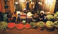 Chợ đêm Long Biên