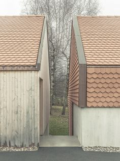 Index Architectes creates asymmetric Village House. - Index Architectes creates asymmetric Village House… – Architecture Romane, Architecture Résidentielle, Romanesque Architecture, Cultural Architecture, Classic Architecture, Casa Patio, Timber Cladding, Village Houses, Exterior Design