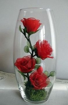 PHOTO ONLY ~ Small Red Rose Arrangement. Inspiration for putting handmade flowers in a glass. Nylon Flowers, Beaded Flowers, Diy Flowers, Flower Decorations, Fabric Flowers, Paper Flowers, Wedding Decorations, Flowers Vase, Vintage Flowers