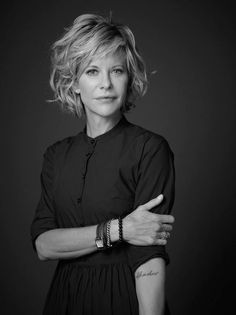 Look & Hairstyle Picture Description 2014 Short Hair Trends. Is this Meg Ryan? Love her do, but wonder how it looks when you first wake 2015 Hairstyles, Cool Hairstyles, Hairstyle Images, 1950s Hairstyles, Medium Hair Styles, Curly Hair Styles, Short Styles, Short Hair Trends, Medium Hairstyles