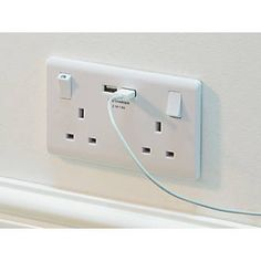 Order online at Screwfix.com. White, moulded switched socket with outboard rockers and USB charging ports. Features angled, in-line terminals and backed-out captive screws for easy installation. Ideal for charging iPads, iPhones, tablets, mobiles, cameras and more. Supplied with screw cover caps. FREE next day delivery available, free collection in 5 minutes.