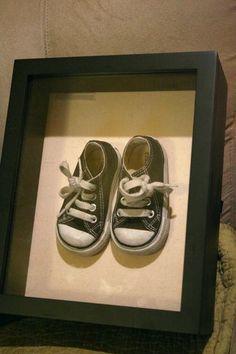 shoe shadow box, great idea ;)
