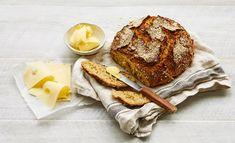 Rapean leivän kanssa paras yhdistelmä ovat voi ja juusto.