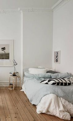 Bedroom Inspo One of our favourite bedrooms! - Architecture and Home Decor - Bedroom - Bathroom - Kitchen And Living Room Interior Design Decorating Ideas - Dream Bedroom, Home Bedroom, Bedroom Decor, Master Bedroom, Bedroom Rustic, Industrial Bedroom, Bedroom Vintage, Vintage Industrial, Vintage Decor