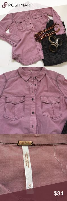 Free People pink button up Free People, Sz M, dusty rose, thin, 💯% cotton button up shirt. Dark brown seams really adds personality to this gorgeous shirt, it's not just another collar shirt. Longer length 29in, and loose fit 21in pit to pit, makes this soft top super cozy. Free People Tops Button Down Shirts