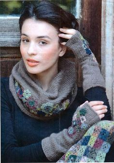 Ravelry: Mitaines Marguerite pattern by Catherine Abrial pour Elle Tricote