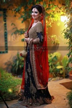 Pakistani Bride - Fine Art Weddings by Irfan AhsonMake Up - Mariam Khawaja Asian Wedding Dress, Pakistani Wedding Outfits, Bridal Outfits, Dulhan Dress, Walima Dress, Mehndi Dress, Indian Bridal Lehenga, Pakistani Wedding Dresses, Bridal Elegance