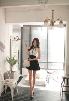 Beauty collection Women With Beautiful Legs, Beautiful Models, Girls In Mini Skirts, Pretty Asian, Pinterest Fashion, Petite Dresses, Elegant Outfit, Sexy Asian Girls, Asian Style