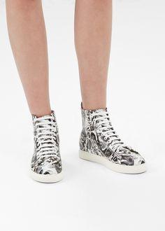Anntian High Top Sneaker in Black / White