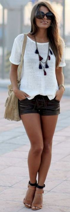 Simple summer outfits ideas to copy right now (39)