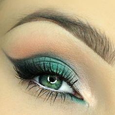 Be astonishing with this St. Patrick inspired eye makeup using green eyeshadow and winged eyeliner which is also perfect for night out. Check out this amazing products to recreate this eye makeup.
