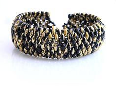 Superduo beads bracelet  http://www.sashe.sk/kacenkag/detail/cierno-zlaty-elegan