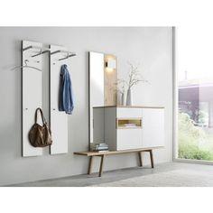 Diese Garderobe strahlt schlichte Eleganz aus. Durch die moderne Formensprache und die klare Linienführung setzt die 4-teilige Kombination geschmackvolle Akzente in Ihren vier Wänden. Elegante Eichefarben harmonieren perfekt mit dem klassischen Weiß und verleihen Ihrem Flur zeitlosen Chic.