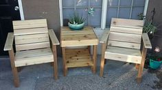 cedar outdoor chairs and table www.facebook.com/abnrrtx