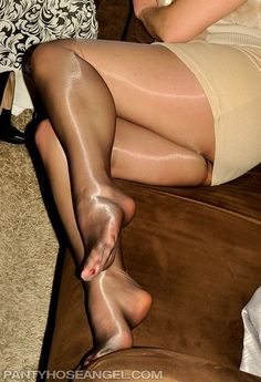Sexy.. Nylons, Tan Pantyhose, Sheer Tights, Black Tights, Silk Stockings, Sexy Toes, Female Feet, Sexy High Heels, Character Shoes