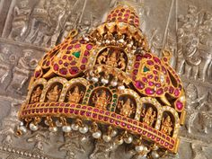 Spotlight Gold Temple Jewellery designs collections at - Navrathan Jewellers Quartz Jewelry, Diamond Jewelry, Gold Jewelry, India Jewelry, Temple Jewellery, Indian Wedding Jewelry, Bridal Jewelry, Jewelry Stores, Antique Jewelry