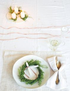 6 Ways: Place Settings - an excerpt from 'Decorate for a Party' by Holly Becker and Leslie Shewring (Photo by Holly Becker) on Gathered Cheer blog