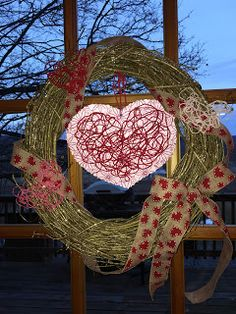 Michelle's Country Stand: Valentine's Day Wreath I made this Valentine...