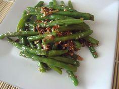 Česnekové fazolky - v jednoduchosti je krása i chuť Asparagus, Green Beans, Steak, Food And Drink, Vegetables, Recipes, Studs, Recipies, Steaks