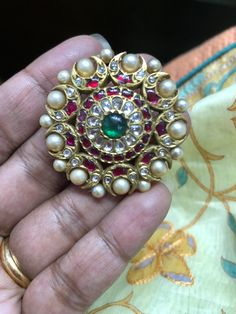 Types of Indian Jewelry Designs – Fashion Asia Jewelry Design Earrings, Gold Earrings Designs, Gold Jewellery Design, Gold Designs, Pendant Jewelry, Royal Jewelry, Gold Jewelry, Jewelery, Beaded Jewelry