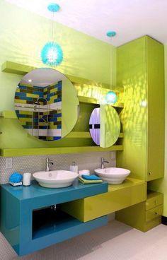 Voici un exemple coloré d\'une salle de bains spécialement aménagée ...