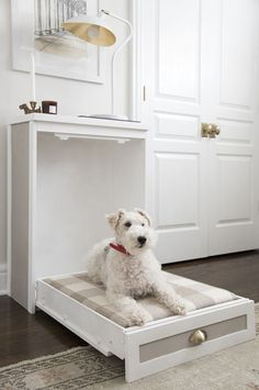 45 Cool And Modern DIY Dog Bed Ideas - Symbolische Tätowierungen Diy Bett, Designer Dog Beds, Diy Zimmer, Diy Nightstand, Diy Dog Bed, Dog Rooms, New Beds, Animal Decor, Dog Crate