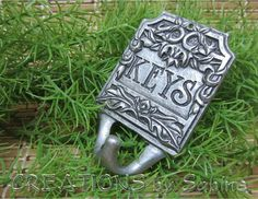 Key Hanger Wall Hook / Silver Tone Metal KEYS Floral Leaves Natural Flat Sign / Vintage / FREE SHIPPING  by CREATIONSbySabine