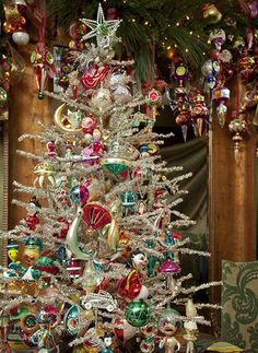 Vintage ornaments and tinsel tree. I would love to have these beautiful ornaments!