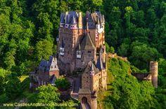 Burg Eltz, situé au-dessus de la Moselle entre Coblence et Trèves, Allemagne