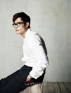LEE BYUNG HUN FOR KWAVE MAGAZINE